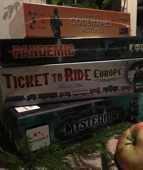spelglädje brädspel sällskapsspel mysterium ticket to ride pandemic codenames pictures