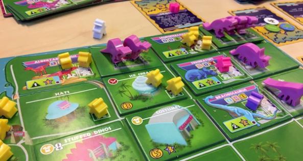 spelglädje brädspel sällskapsspel dinosaur island